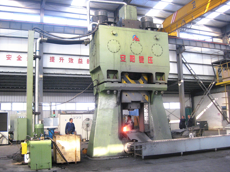 125KJ CNC hydraulic down stroking hammer to forge gear in China