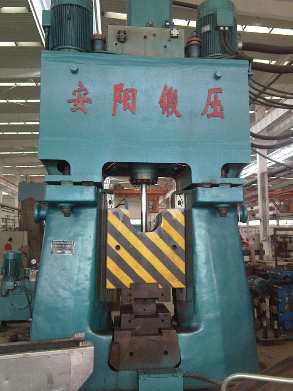 63kj Programmable control closed die forging hammer in China