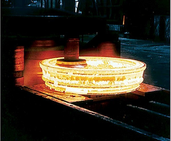 complicated ring made on mandrel forging ring making machine