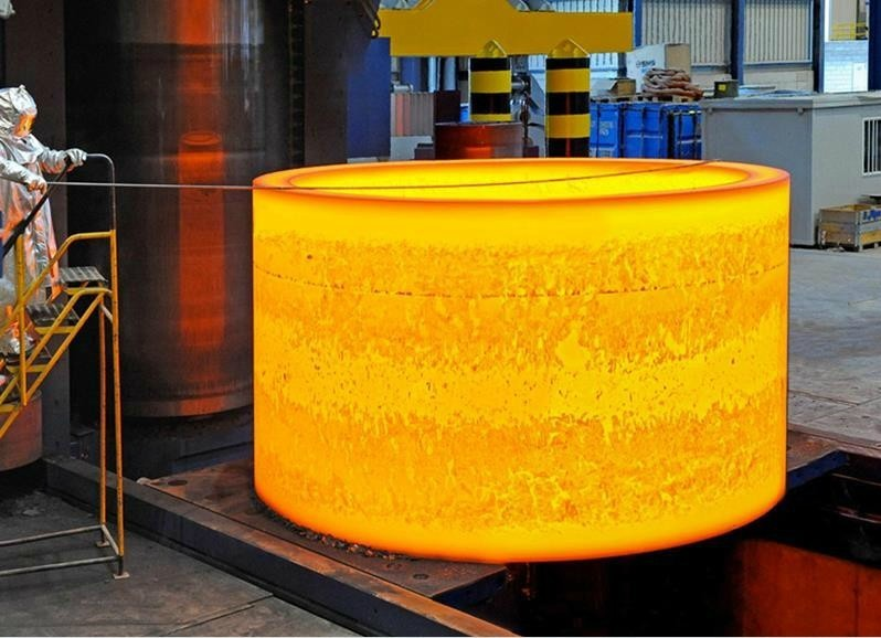 big ring rolled on ring rolling forging machine