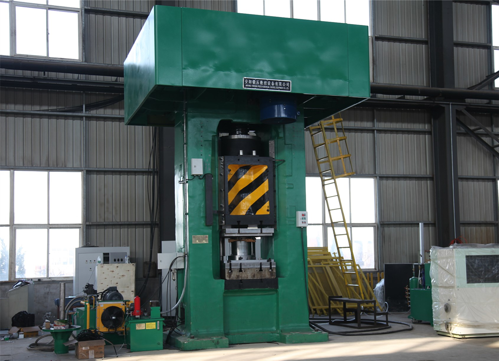 1600T screw press installing and testing